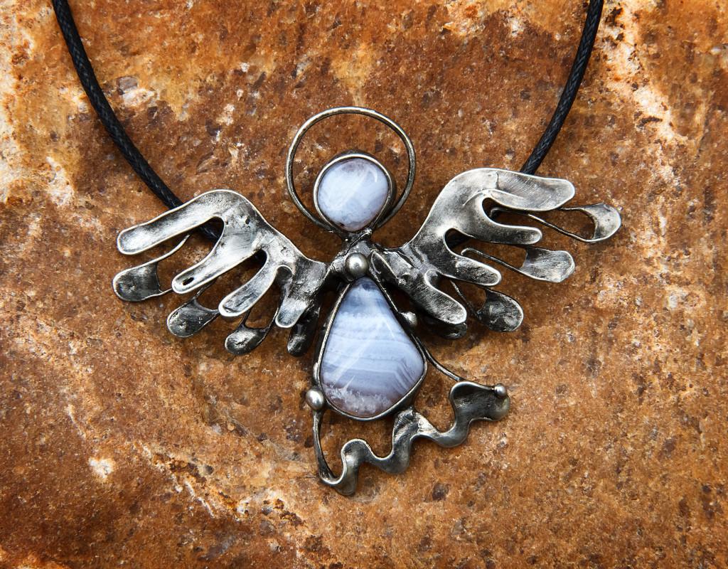 Šperky - Přívěšek Anděl - Chalcedon