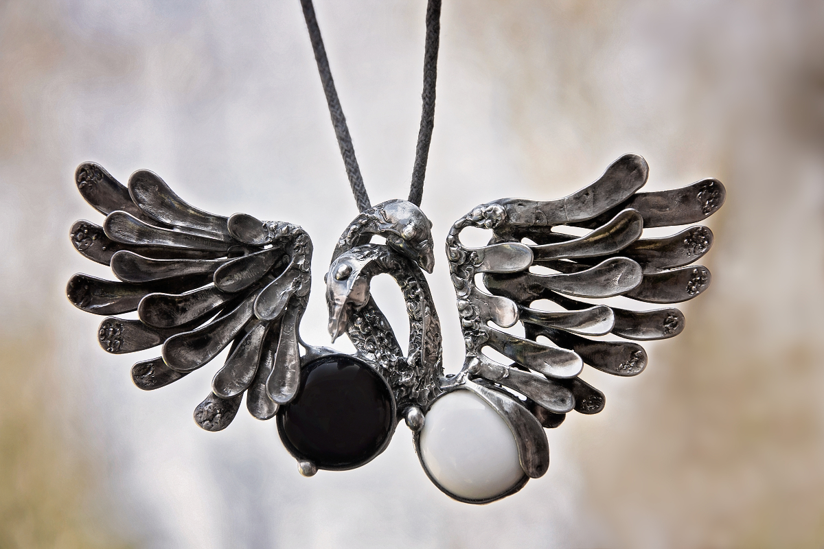 Přívěšek labutě