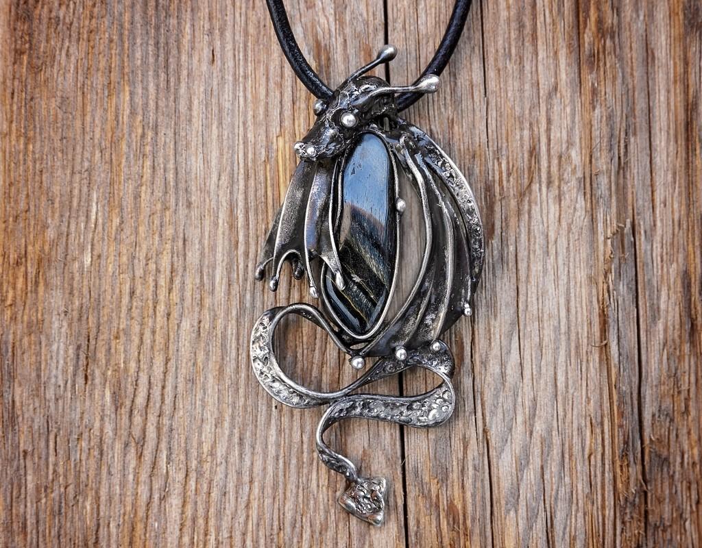Šperky - Přívěšek Drak - Sokolí Oko