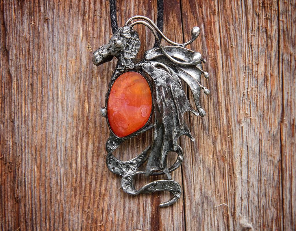 Šperky - Přívěšek Drak - Karneol