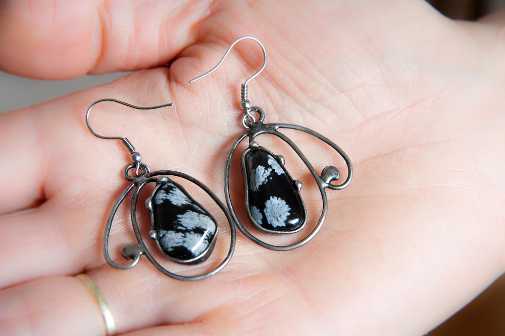 Nausnice-obsidian-vlockovy
